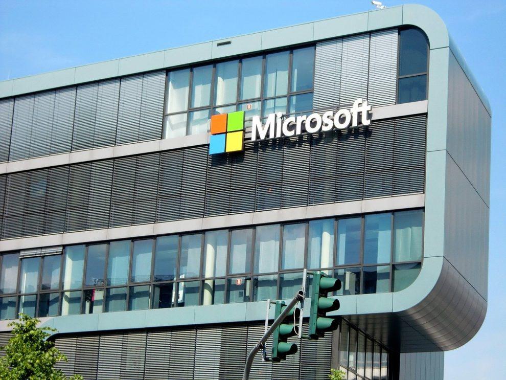 ศาลให้ Microsoft ยึดโดเมนเว็บที่ใช้ในการหลอกลวงแบบฟิชชิ่ง / BEC และ COVID-19
