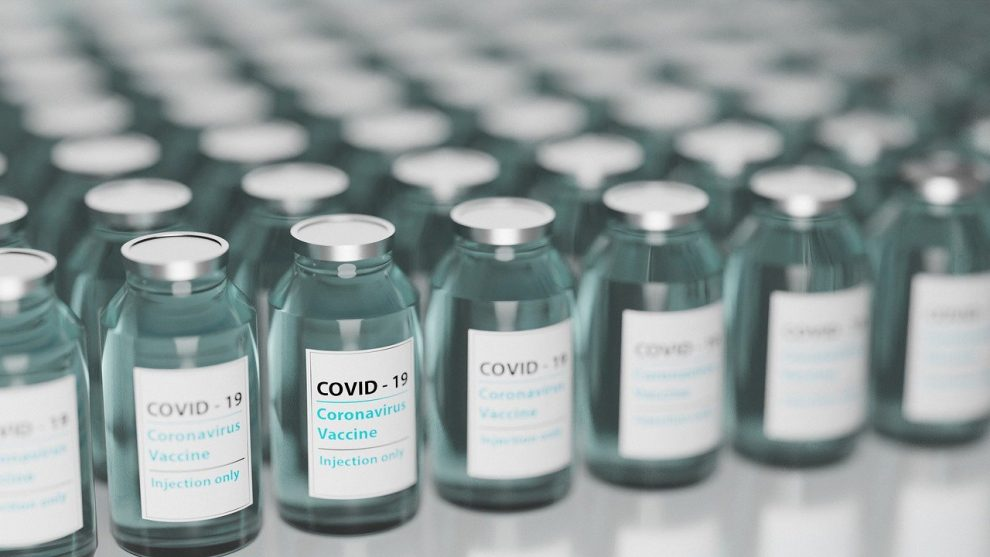 Pfizer และ BioNTech COVID-19 พบว่าเอกสารสำคัญถูกขโมยในเหตุการณ์โจมตีทางไซเบอร์ EMA